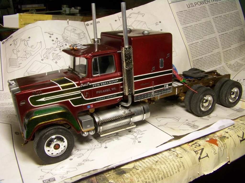 1:24 Mack RW Superliner by Pawel