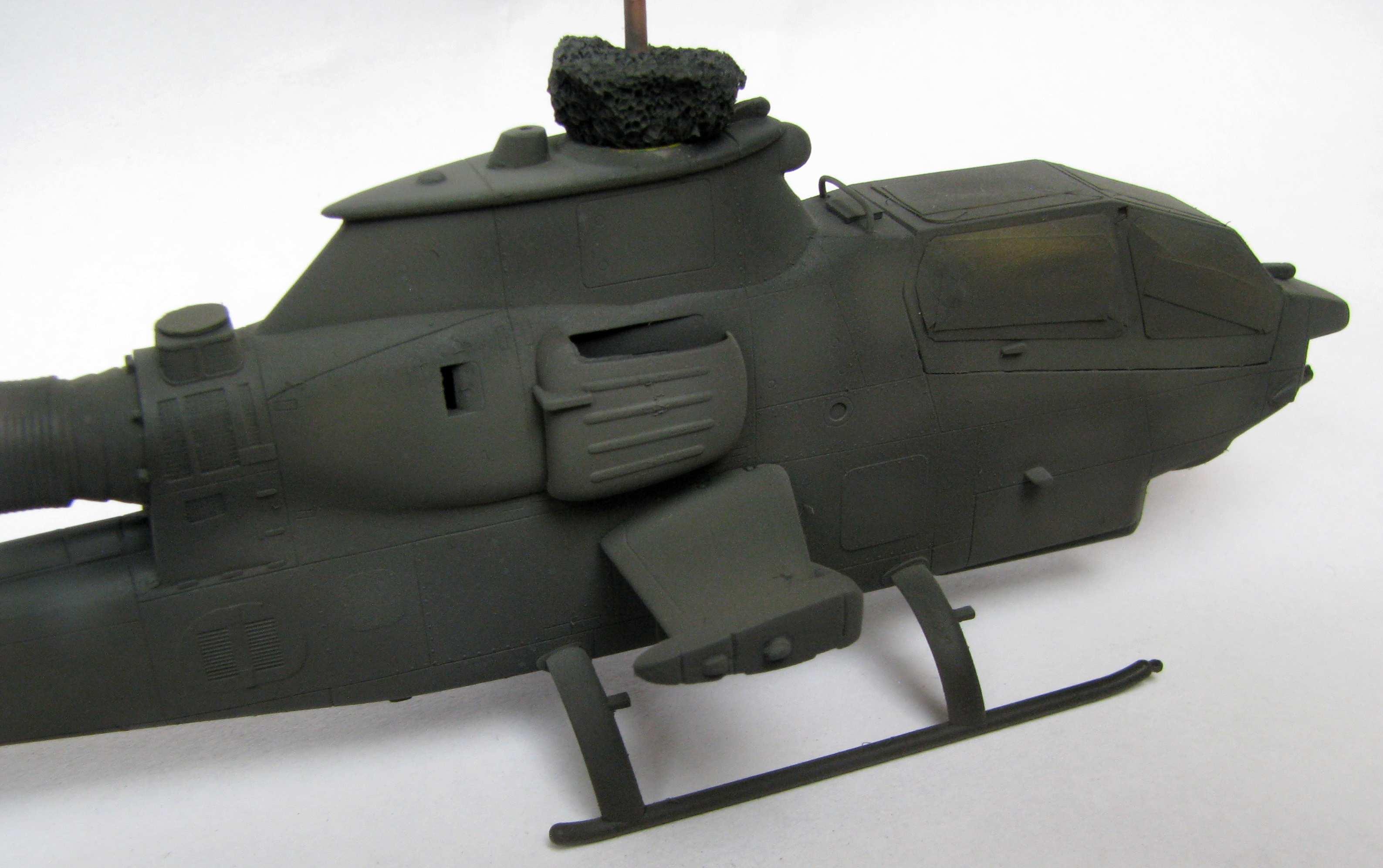 1:72 Hasegawa AH-1S by Pawel
